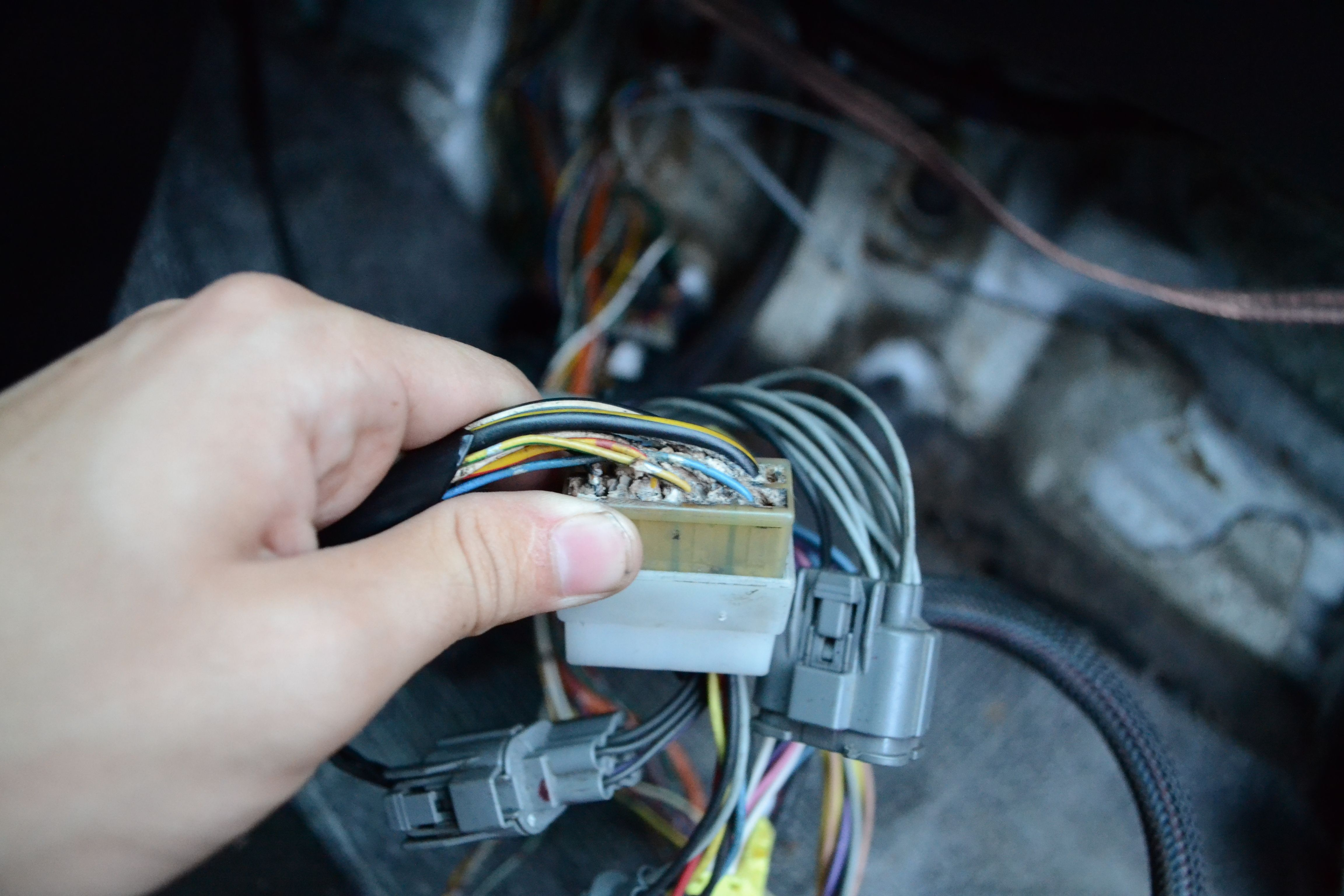 ECU wiring hack job | HondaSwap
