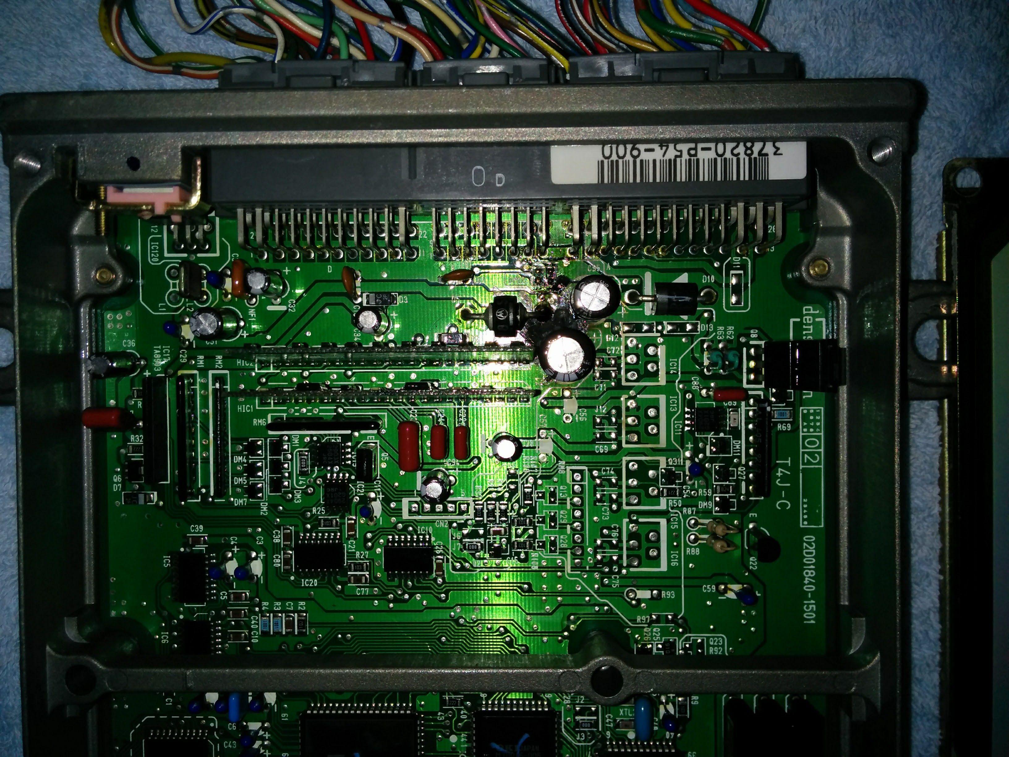 P54-900 ECU.jpg