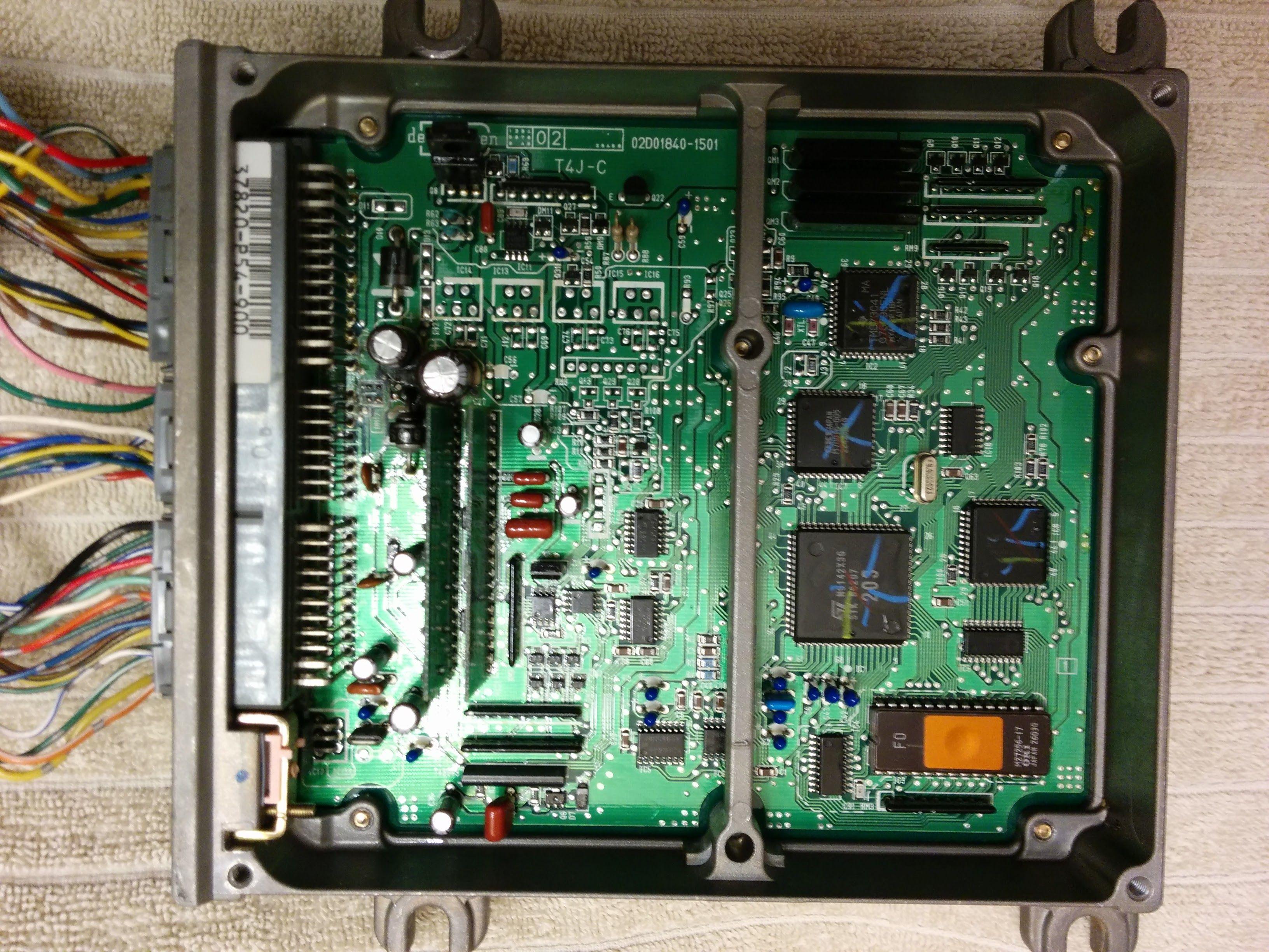 P54-900 ECU Whole.jpg
